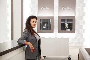 Elena Sever, Cartier