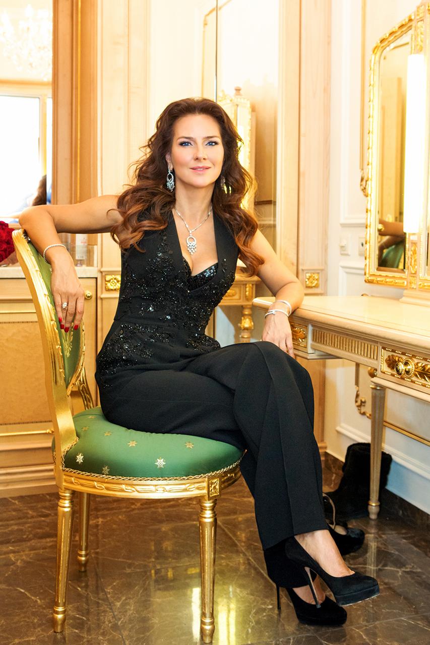 Елена Север
