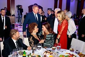 Софи Лорен, Елена Север