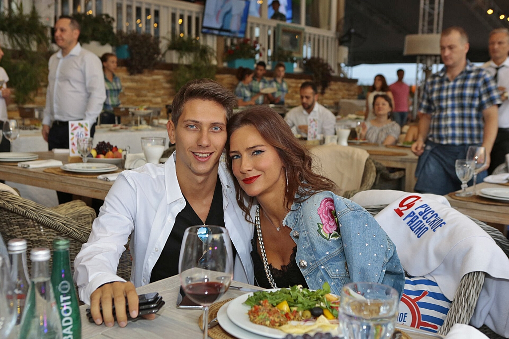 Елена Север и ЮрКисс
