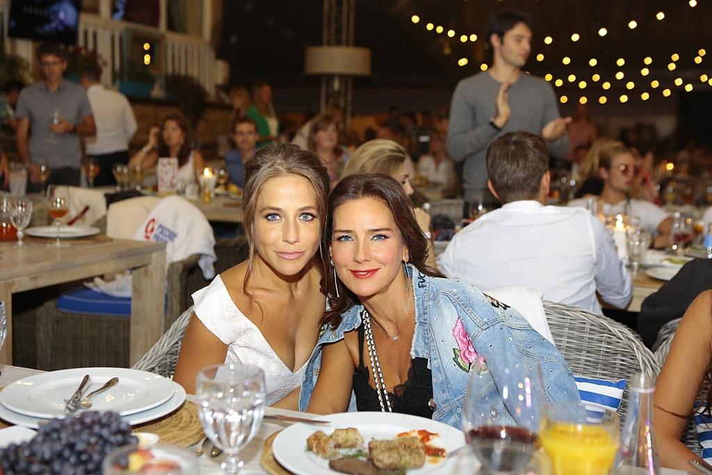 Елена Север и Юлия Барановская