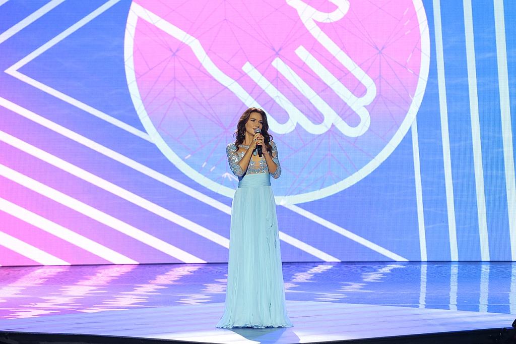Елена Север на концерте РусФонда
