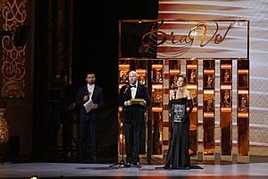 Елена Север и Джон Траволта на сцене Большого Театра