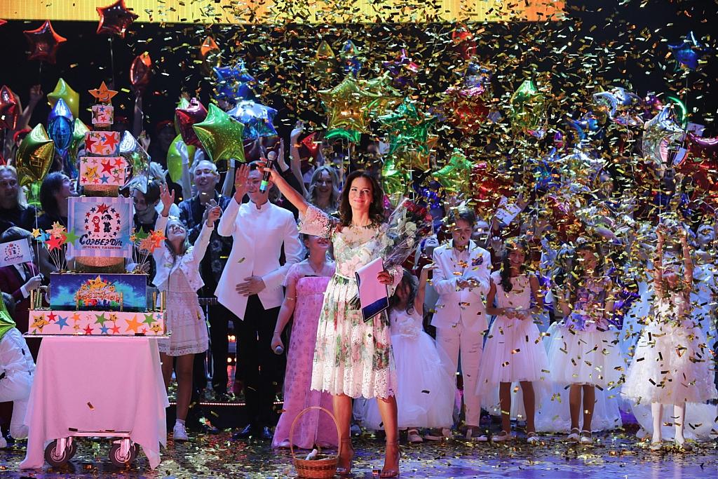 Елена Север на благотворительном Гала-концерте